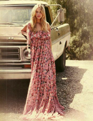 Jennifer-Lawrence-DG-Spring-2011-Flower-Print-Maxi-Dress